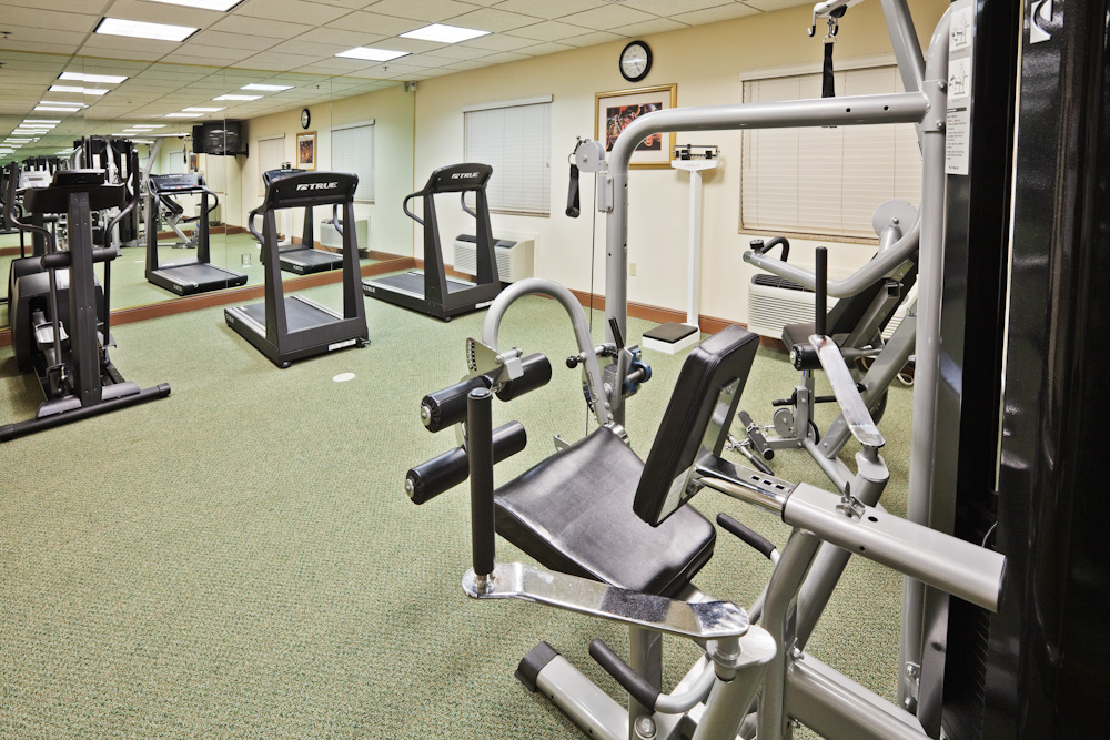 Hotels near Kimberly Clark Jenks with Exercise Equipment